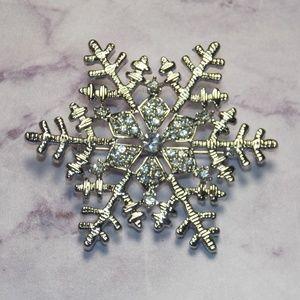 Vintage Style Snowflake Brooch Silver Gem Pinup